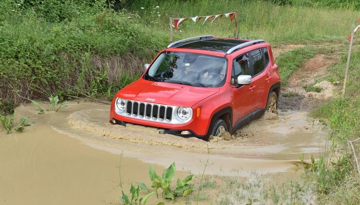 Jeep Müşterileri İle Doğum Gününü Kutladı